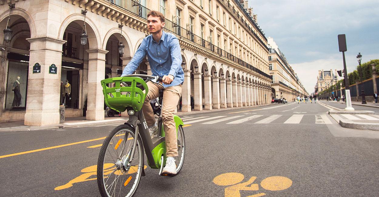Nouvelle piste cyclable sur la rue de Rivoli